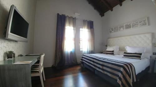 Superior Double or Twin Room with Garden View Hotel Villa Paulita 1