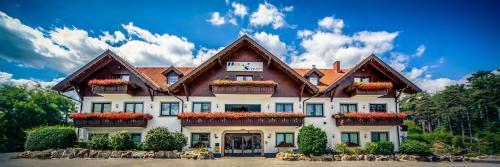 __{offers.Best_flights}__ Hotel Restaurant Schwartz