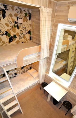 Хостел Казанское Подворье Кровать в общем четырехместном номере для мужчин