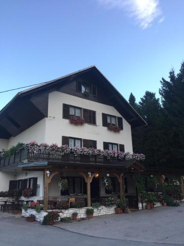 Guest House Kmečki Hram - Idrija