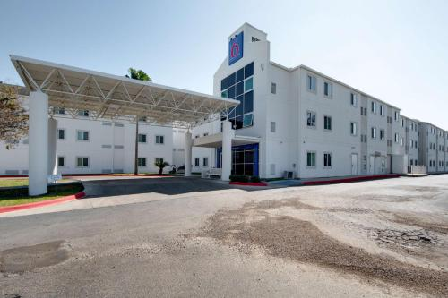 Motel 6 Brownsville TX