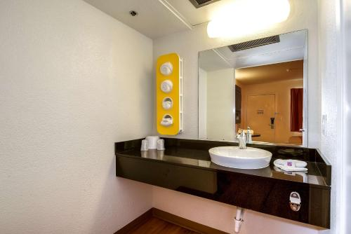 Premium Queen Room with Mini Fridge