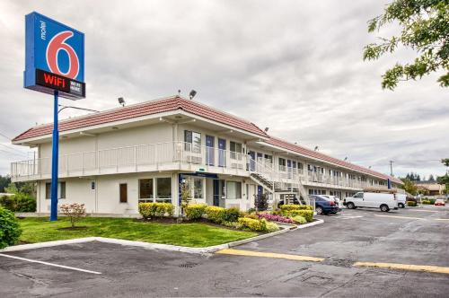 Motel 6 Everett South