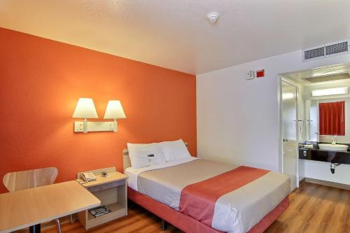 Motel 6 Lompoc - Lompoc, CA 93436
