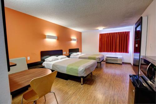 Motel 6-Houston, TX - Hobby - image 6