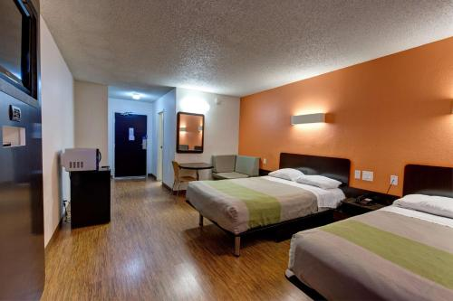 Motel 6-Houston, TX - Hobby - image 8