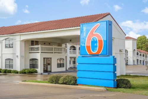 . Motel 6-Canton, TX