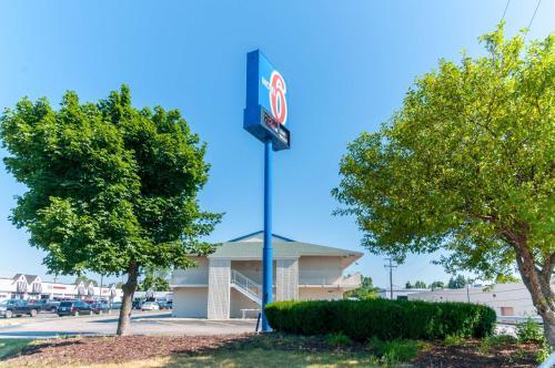 Motel 6   Farmington Hills Detroit Northwest