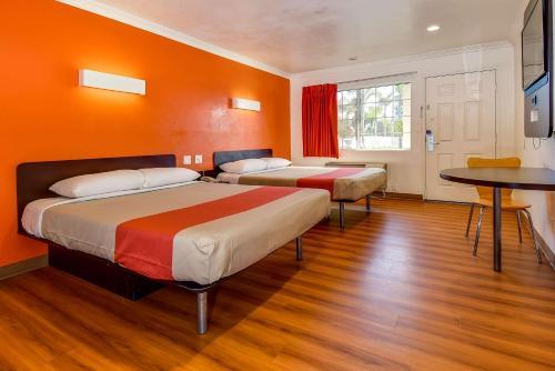 Motel 6 Garden Grove