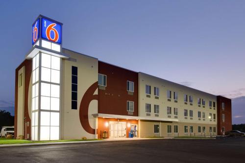Motel 6-Poplar Bluff, MO