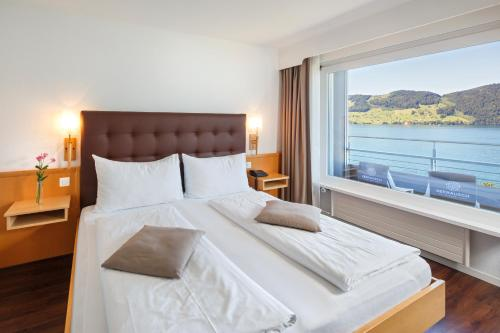 Panorama Double or Twin Room with Lake View and Balcony