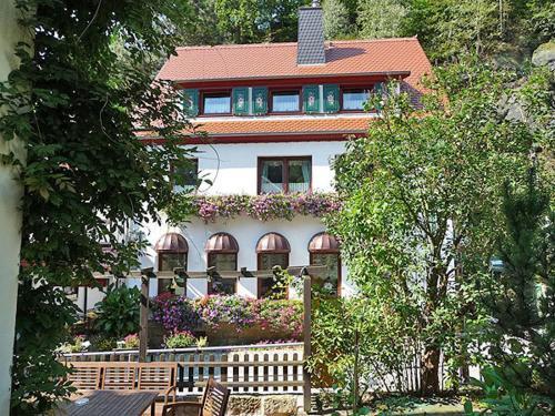 . Pension Fuhrmann's Elb- Café
