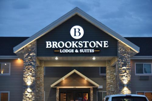 Фото отеля Brookstone Lodge & Suites