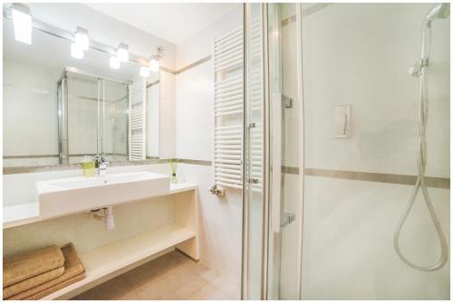 DeLux Apartment photo 15