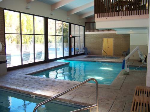 Sandstone Creek Club Condominiums - Vail, CO 81657