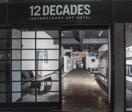 12 Decades Art Hotel
