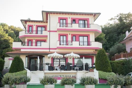 . Hotel Levante
