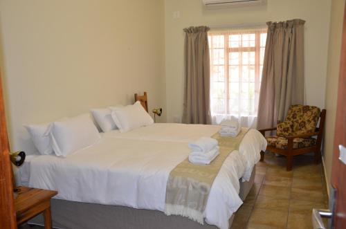 Stoep At Steenbok Self Catering - Photo 4 of 25