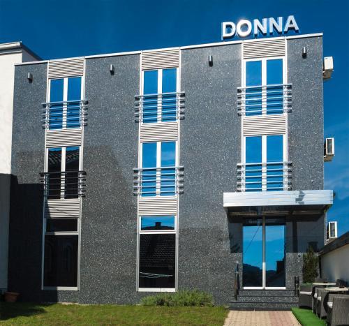 . B&B Donna