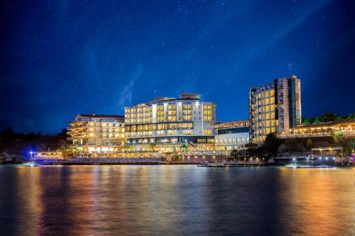 Kusadası Charisma De Luxe Hotel indirim kuponu