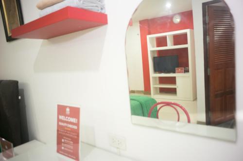ZEN Rooms Mahajak residence photo 6