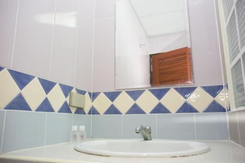 ZEN Rooms Mahajak residence photo 15