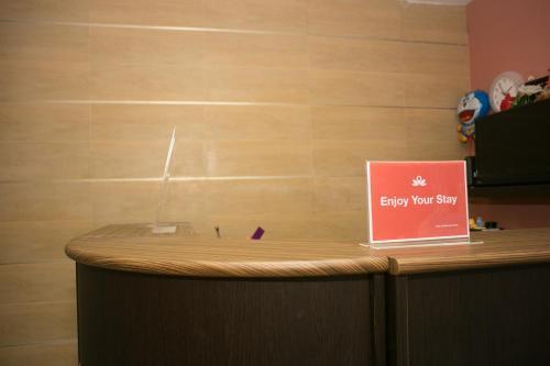 ZEN Rooms Mahajak residence photo 18