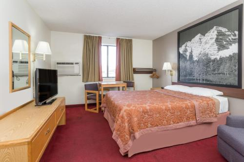 Super 8 By Wyndham Grand Junction Colorado - Grand Junction, CO 81506