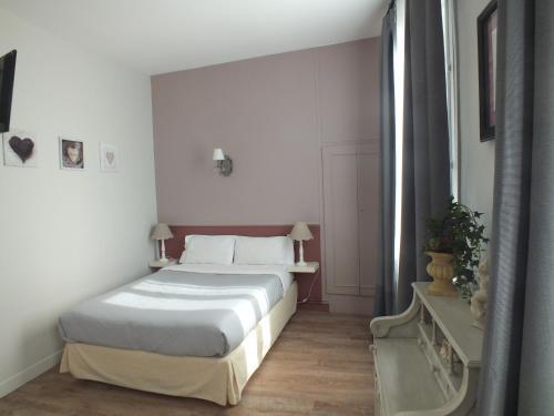 Alcove des Beaux Arts - Chambre d\'hôtes, 40 Rue De La Préfecture ...
