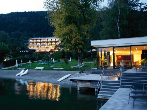 Seehotel Hoffmann - Hotel - Steindorf am Ossiacher See