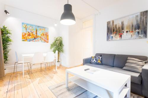 ApartDirect Sveavägen photo 72