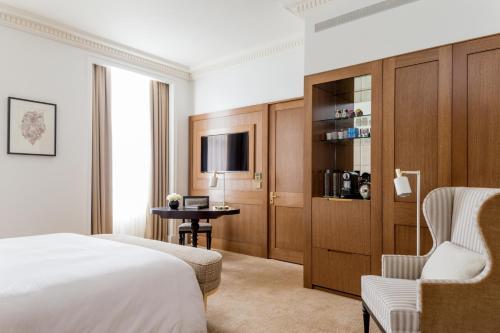 Four Seasons Hotel London at Ten Trinity Square photo 7