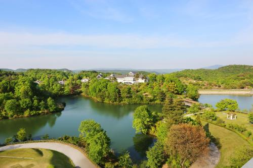 Forest Hills Garden - Accommodation - Mihara