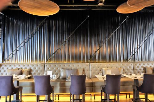 Compass SkyView Hotel photo 22