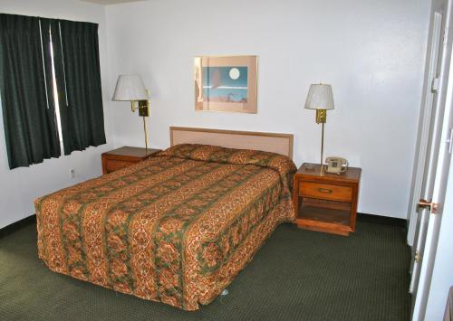 Ski's Western Motel - Great Falls, MT 59405