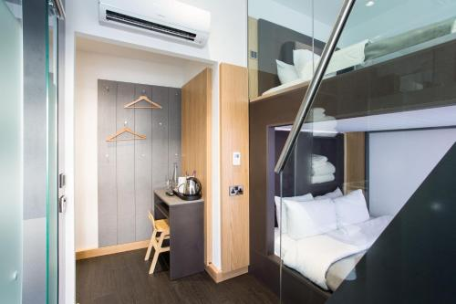 The Z Hotel City London 4 5 Price Address Reviews