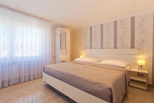 HotelVilla Natalia Apartments & Studios