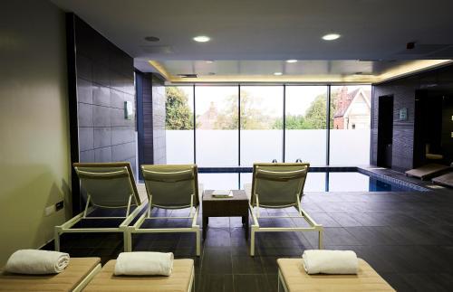 3 Alexandra Terrace, Guildford GU1 3DA, England.