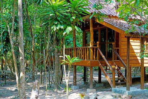 Tree House Bungalow