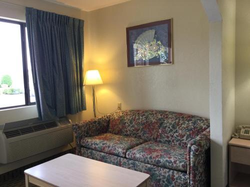 Americas Best Value Inn - Cabot - Cabot, AR 72023