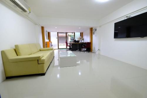 Donmueang Airport Residence photo 24