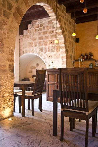14 Alexandridou, Old Town, Rhodes 85100, Greece.