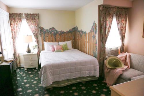 The Ocean Plaza Hotel - Ocean Grove, NJ 07756