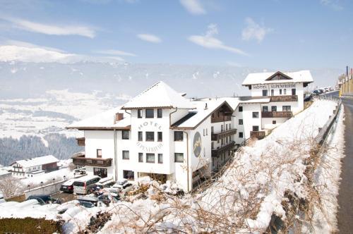Hotel Alpenfriede Jerzens