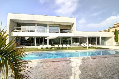 Beach & Golf Luxury Villa Alicante