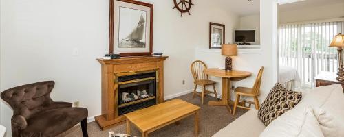 The Inn At Fairfield Beach - Fairfield, CT 06824
