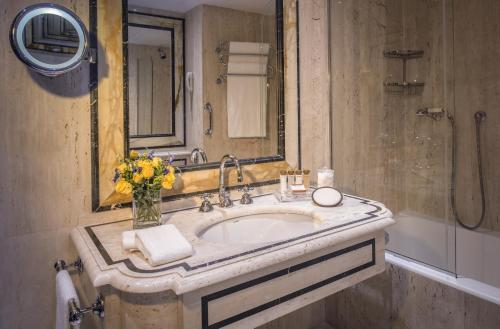 Rome Cavalieri, A Waldorf Astoria Hotel - image 11