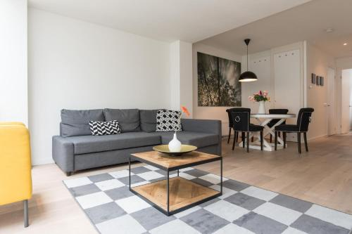 Ruby van Gogh Apartments photo 14