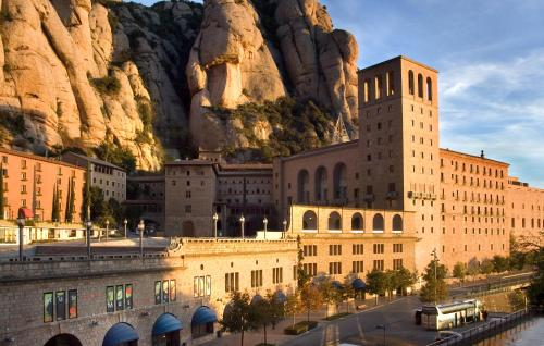 __{offers.Best_flights}__ Hotel Abat Cisneros Montserrat