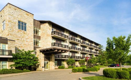 Oglebay Resort & Conference Center - Accommodation - Wheeling